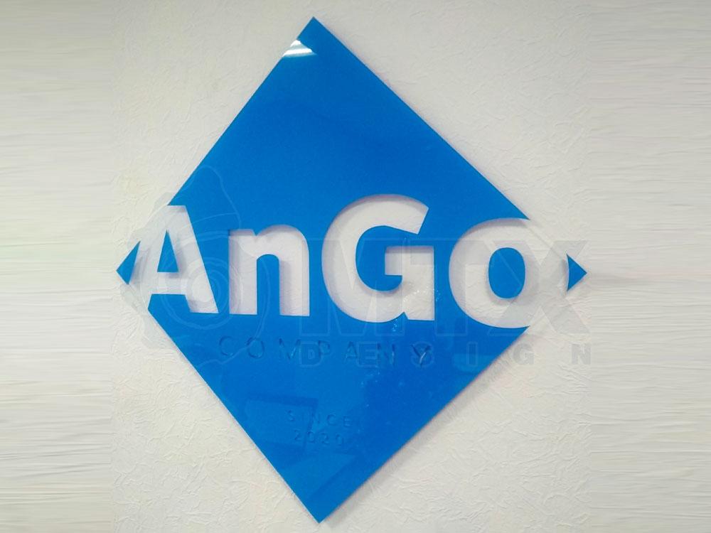 Логотип торговой фирмы AnGo на ресепшене